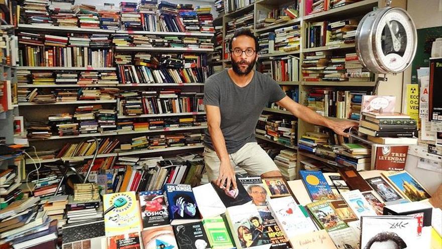 «No leer un libro ya no tiene excusa, tengo desde tres euros»