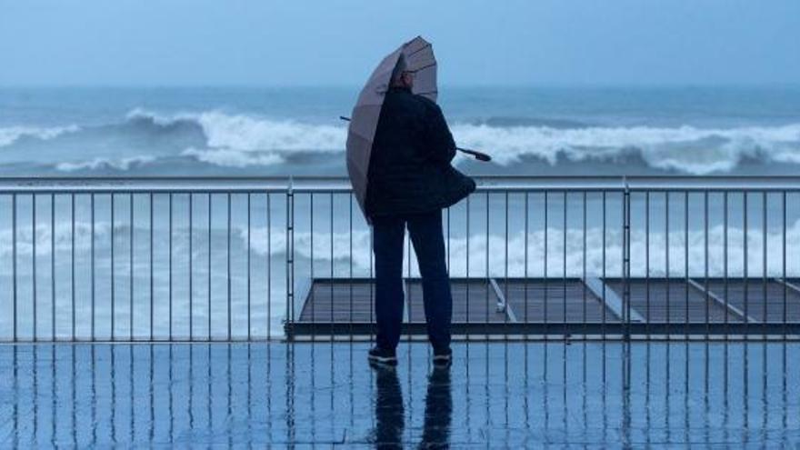 Pluja fins dimecres amb precipitacions extenses que poden superar els 100 litres per metre quadrat