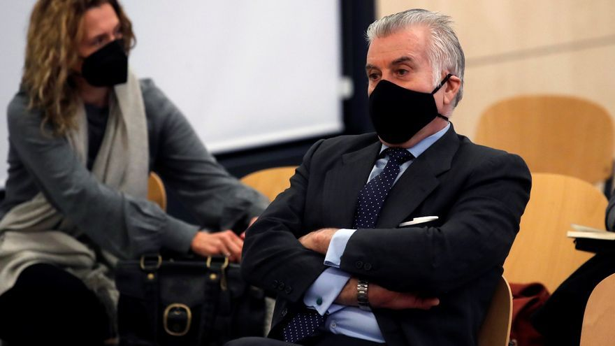 La Audiencia Nacional llama a declarar a Bárcenas y su mujer, Rosalía Iglesias