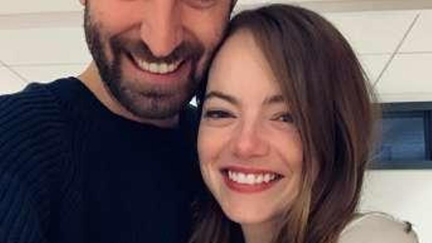 Emma Stone se casa en secreto con el guionista Dave McGary