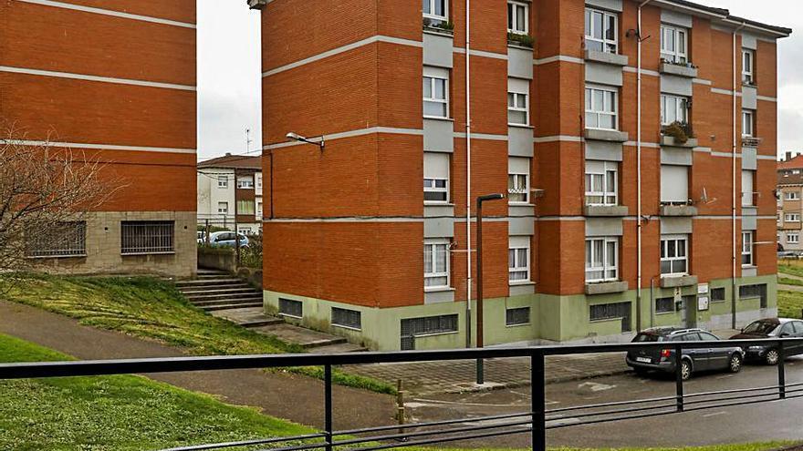 Emvisa arregla seis de sus pisos en las casas de los maestros de La Tejerona
