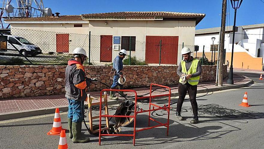 Fibra óptica para 700 casas de Santa Eulària, Sant Carles y Santa Gertrudis