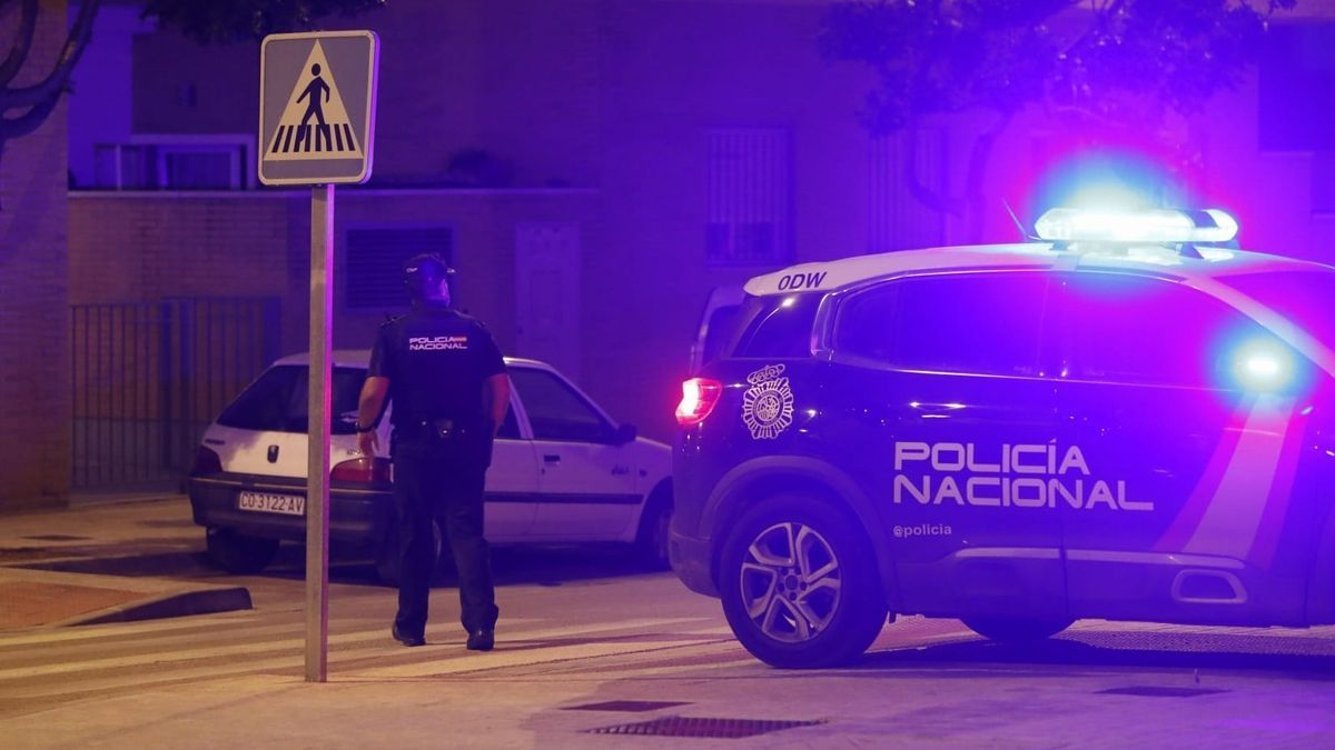 Un policía, donde se produjo la agresión.