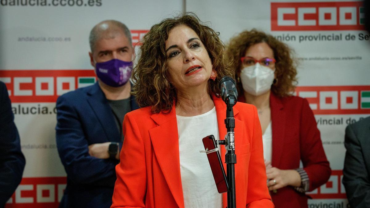 Montero asiste a la inauguración en Sevilla de la nueva sede de CCOO.