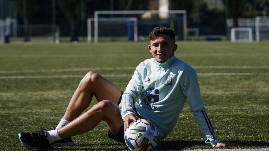 Yeremi Pino, la súper estrella del Villarreal, confiesa sus sensaciones tras debutar con España