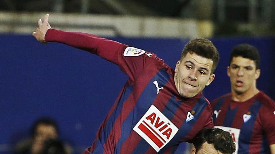 Las Palmas dará la baja a Christian Rivera, lo que podría acercarlo al Sporting