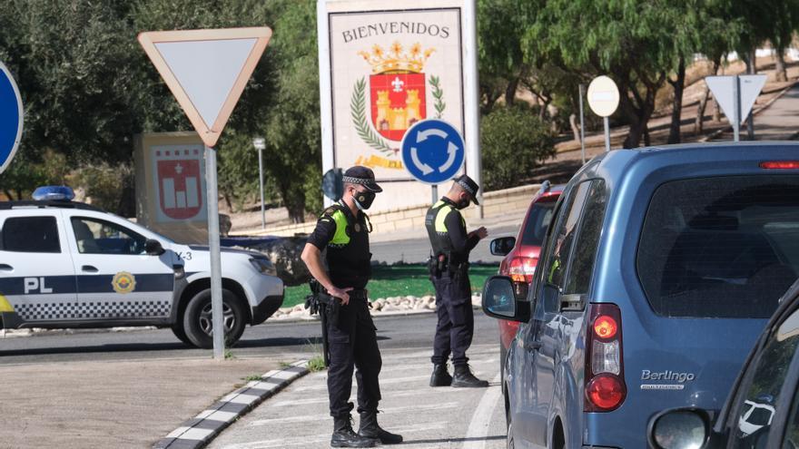 La Policía Local de Elda tramita 23 sanciones por infracciones del confinamiento