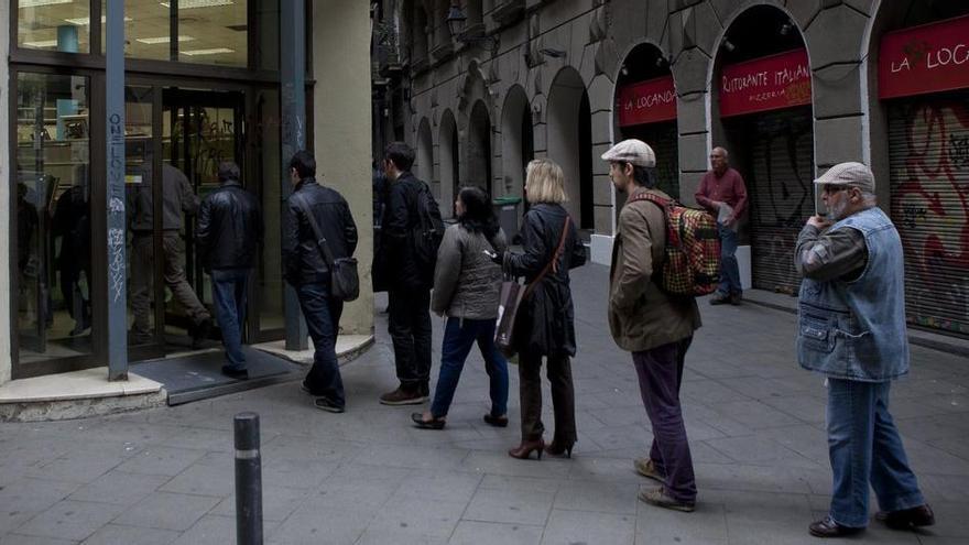 Trabajo plantea incentivos de hasta 7.500 euros para contratos indefinidos