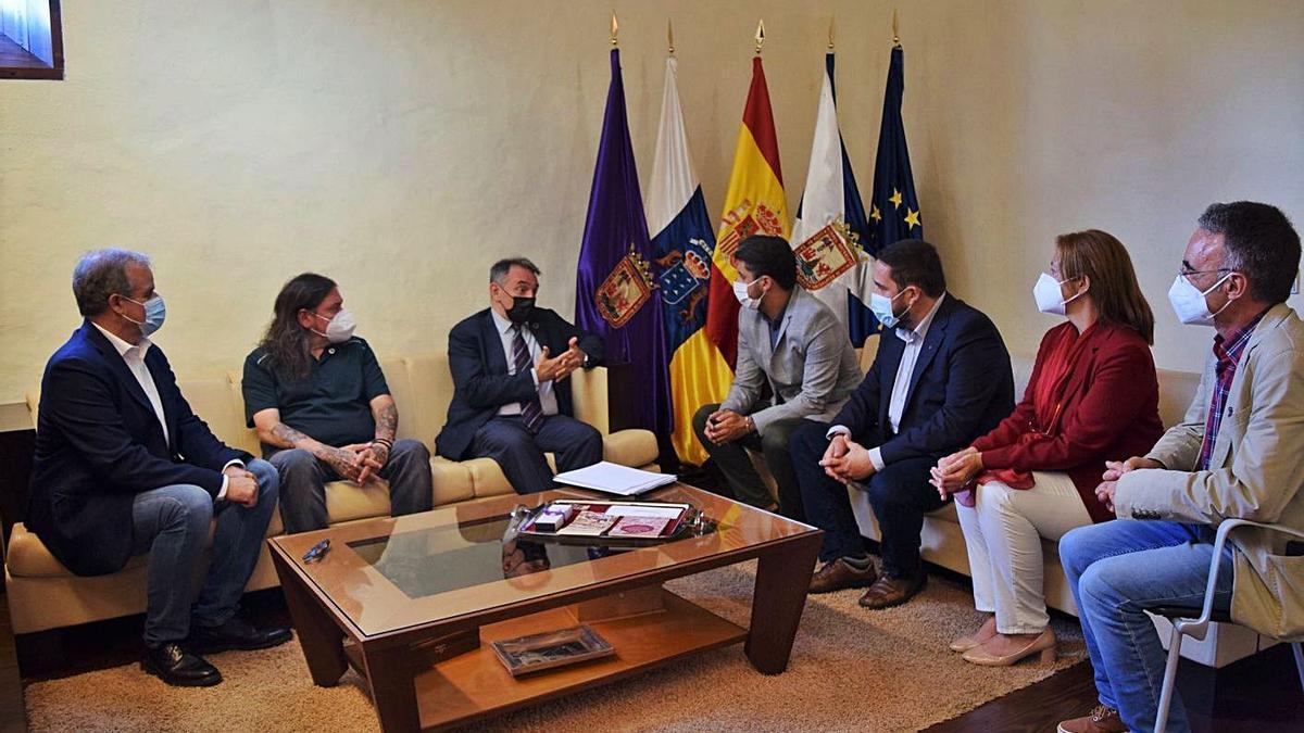 Reunión del gobierno municipal con el secretario de Estado para la Agenda 2030.