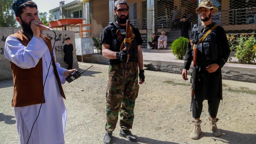 Los talibanes lanzan operaciones masivas contra el EI en Afganistán