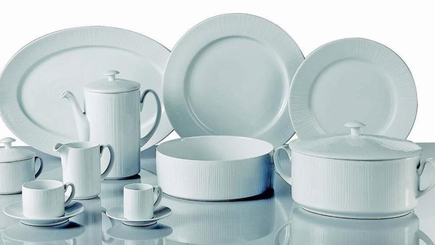 Levante-EMV lanza la promoción de una vajilla Santa Clara compuesta por 29 piezas de porcelana blanca