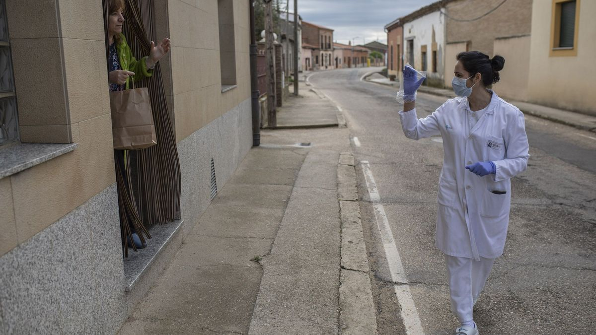 Una trabajadora durante el confinamiento en la Zamora rural.