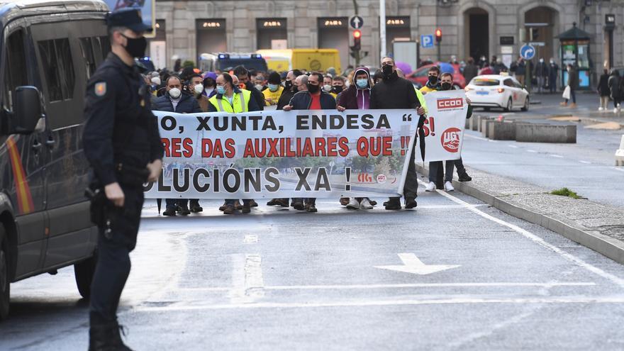 """Trabajadores de Endesa,Gamesa y Alu Ibérica exigen a Estado y Xunta evitar un """"desierto industrial"""" en Galicia"""
