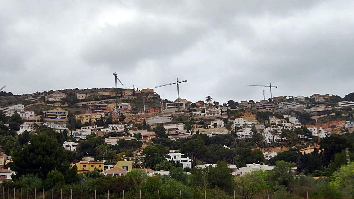 Viviendas en construcción en la urbanización La Corona de Xàbia  | CARLOS LÓPEZ