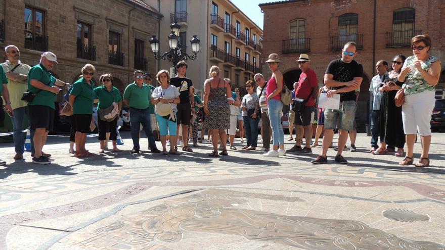 """Comienza el ciclo de turismo urbano """"Déjate llevar"""" en Benavente"""