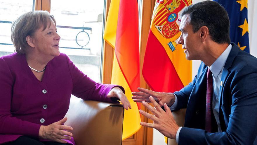 """Sánchez dice que """"nunca renunciará a los eurobonos"""""""