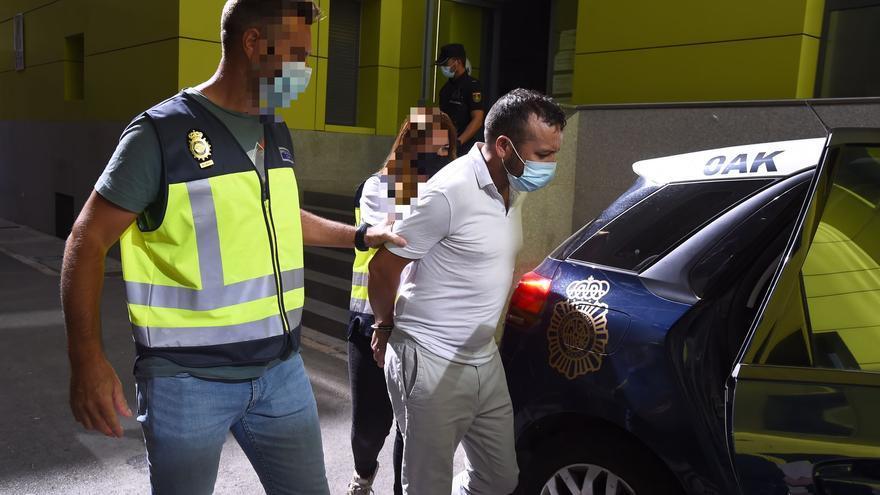 Pasa a disposición judicial el detenido por matar de una cuchillada a su hijastro en Cartagena