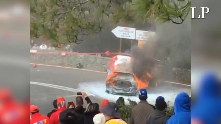 Arde el coche de Daniel Marbán en el Rally Islas Canarias