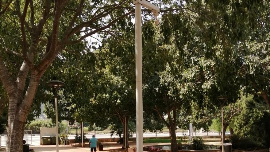 Dénia coloca cámaras en el parque de Torrecremada para acabar con los actos vandálicos