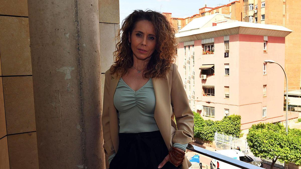Silvia Muñoz posa para LA OPINIÓN en su despacho de la Consejería.