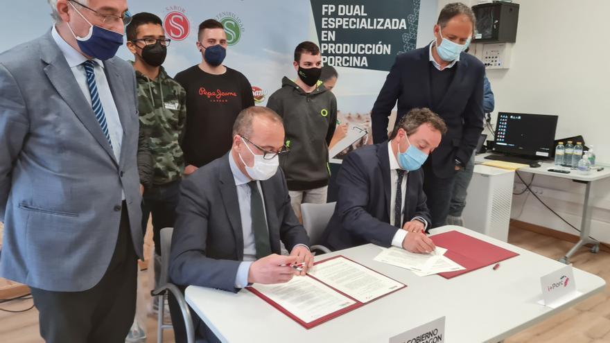 Aragón impulsa la Formación Profesional en el sector del porcino