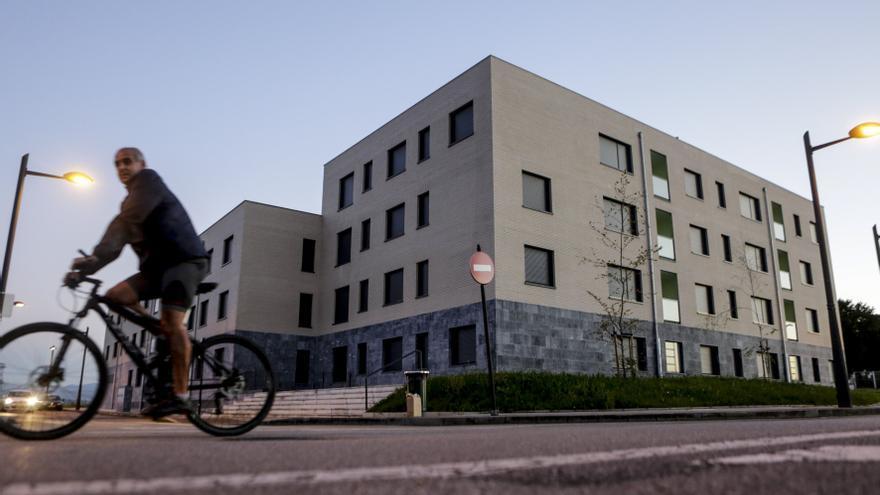 El Principado no entregará las viviendas del Campón hasta que se resuelva la licencia de los garajes
