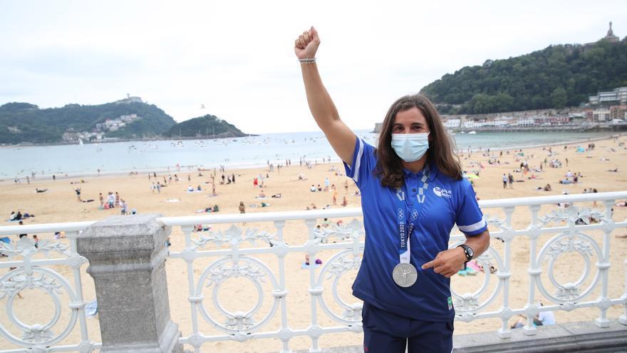 Maialen Chourraut, recibida con honores en la playa de La Concha tras su plata en Tokio