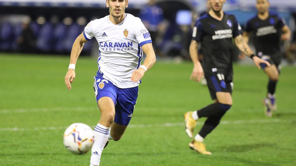 Álex Alegría, en un partido con el Real Zaragoza.