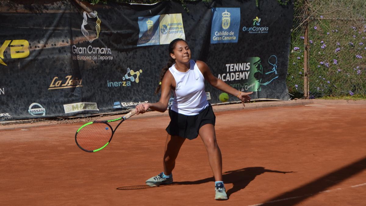 Zara Cabrera during the Gran Canaria Yellow Bowl tournament, at El Cortijo