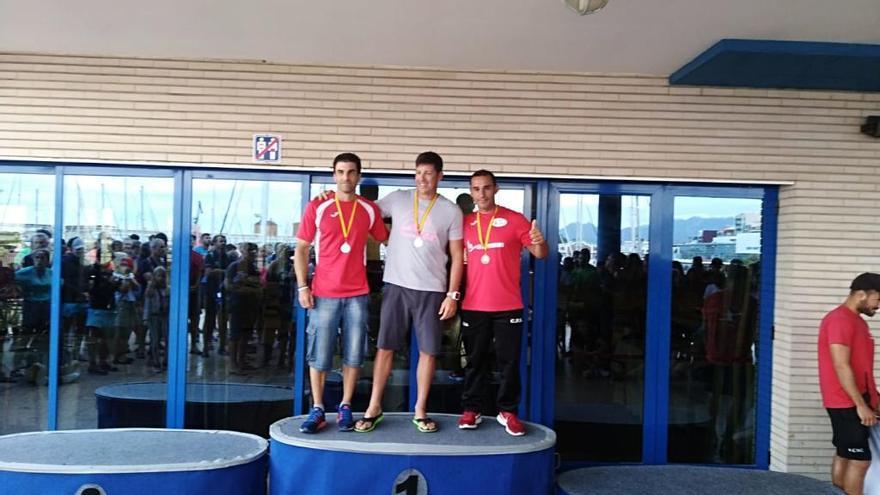 Vicent Tortajada se cuelga el bronce en el trofeo estatal de kayac de mar
