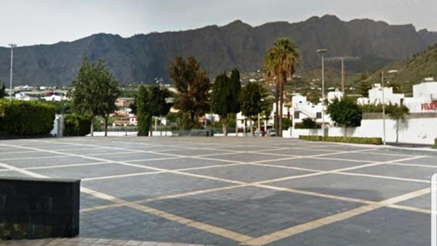 Desierto el concurso para montar una pista de hielo  en la plaza Juan Pablo II