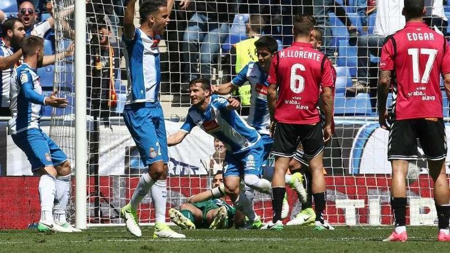 El Espanyol recupera la ilusión con una victoria frente al Alavés