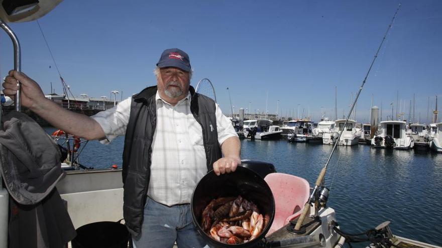 """Los pescadores gijoneses regresan al Cantábrico: """"Es como un día de Reyes"""""""