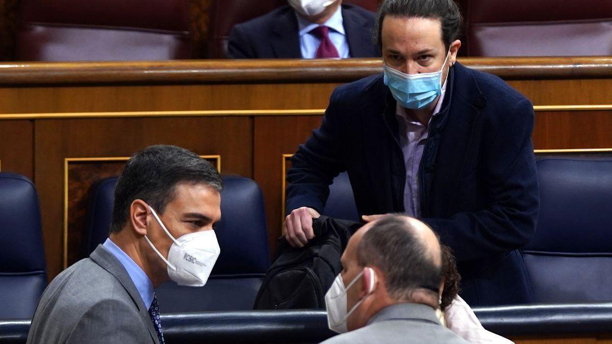 """Iglesias: """"La sociedad no acepta que miembros de la Casa Real se vacunen en Abu Dabi"""""""