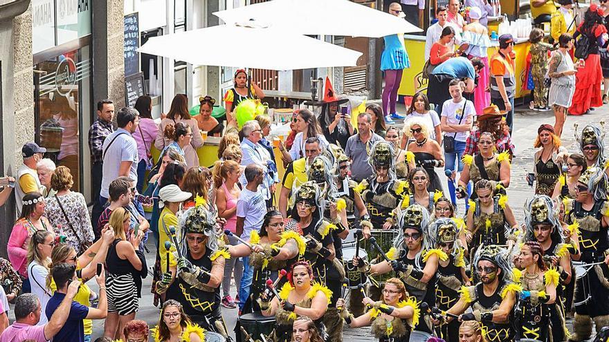 Los vecinos de Vegueta ganan la partida y logran el traslado del Carnaval de Día