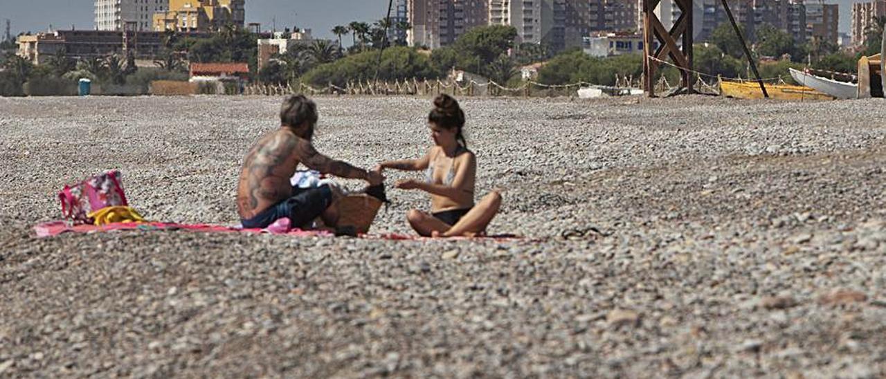 Vista de la playa de Almardà, con Canet al fondo. | TORTAJADA