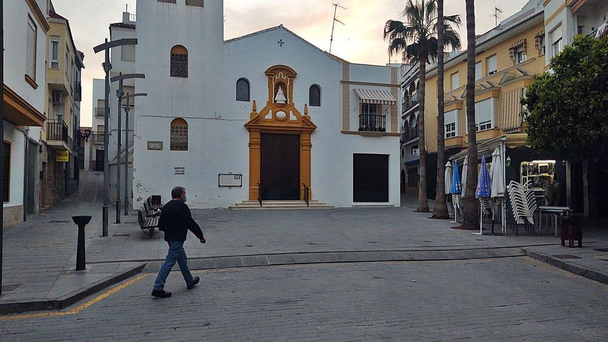 Calles prácticamente vacías en Doña Mencía por la situación epidemiológica..