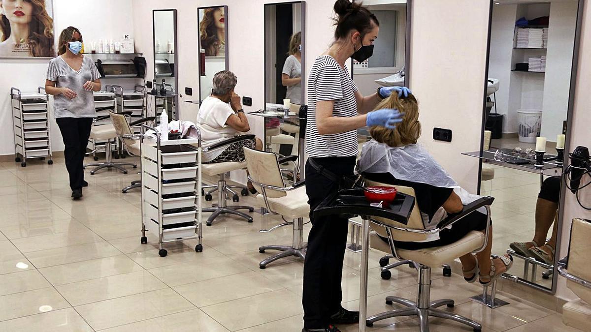 Imatge d'una perruqueria, negoci que nota especialment l'increment del preu de la llum | ACN