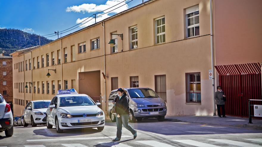 El positivo en covid-19 de otros dos escolares en el colegio El Romeral de Alcoy obliga a confinar sus aulas