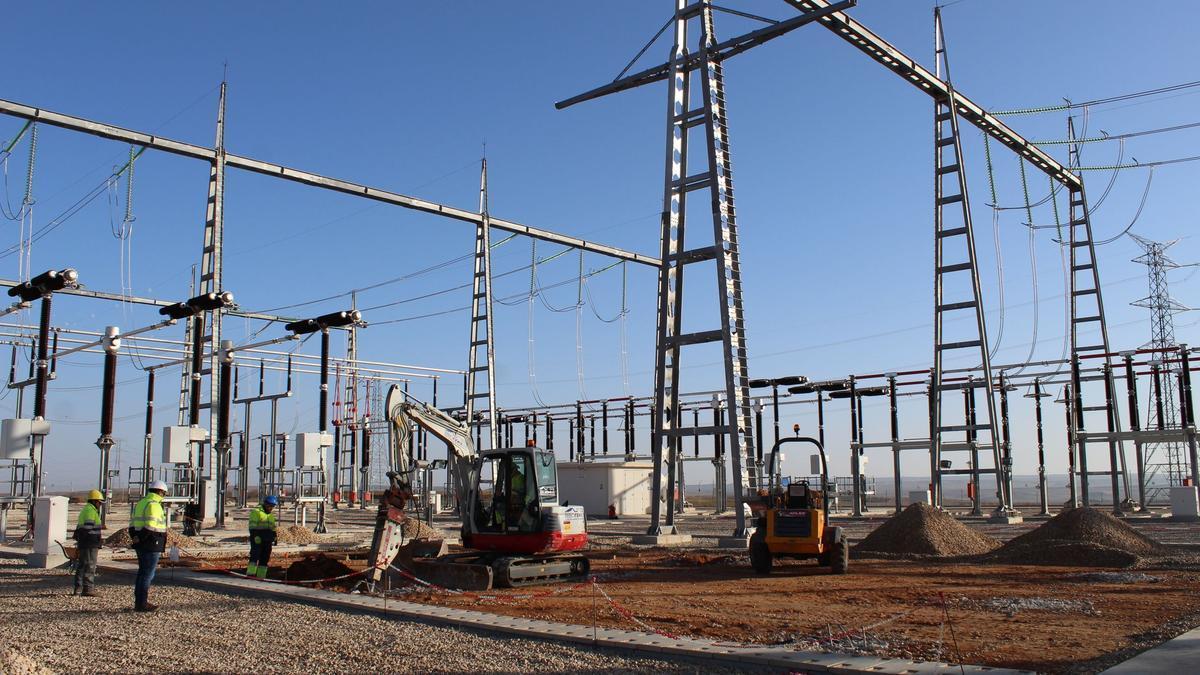 Obras de una subestación de Red Eléctrica en Aragón, en marzo de 2019.