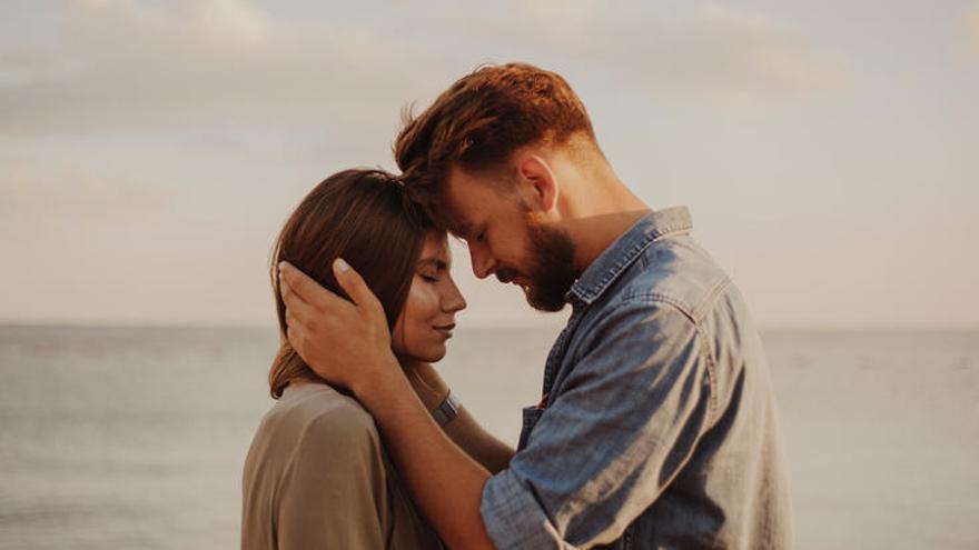 ¿Cuáles son los peligros del amor romántico?