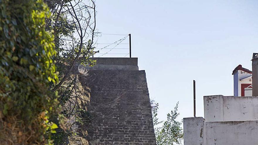 Albaida adjudica por 89.100 € la restauración exterior del Palau  en la zona de la muralla