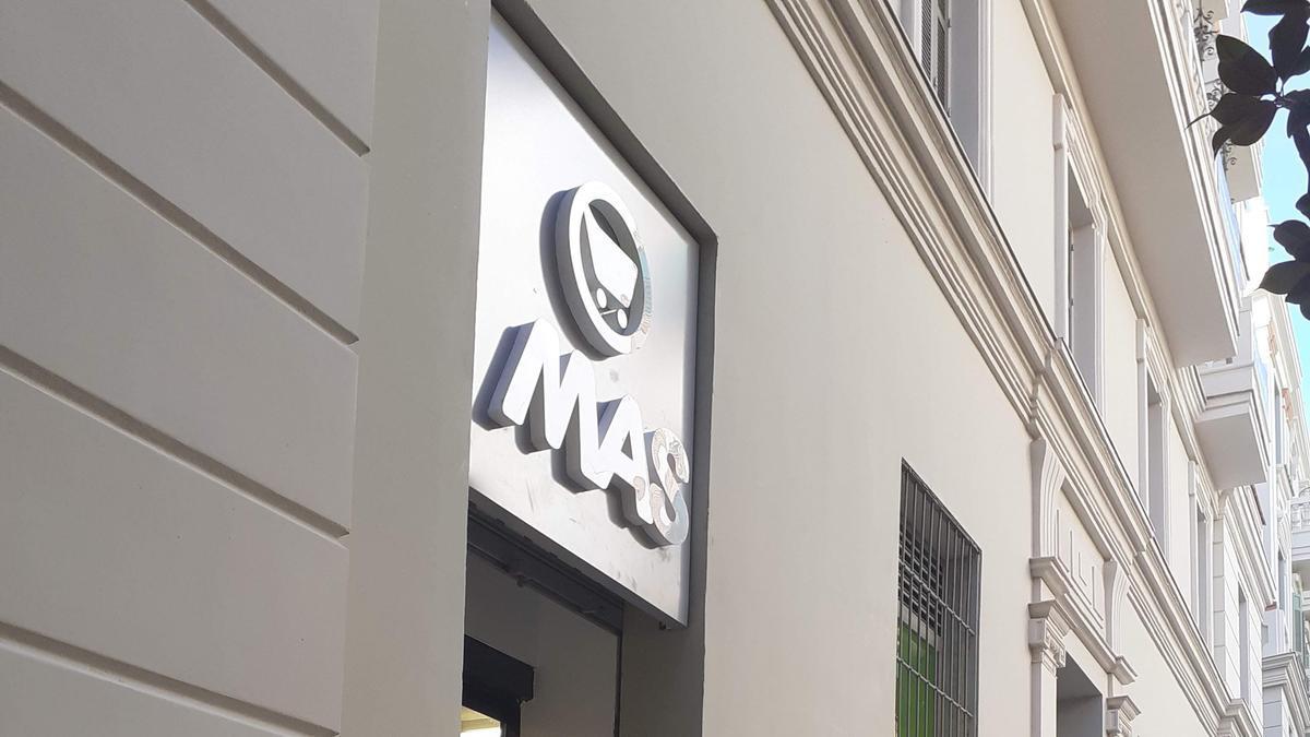 Nuevo supermercado MAS en la Plaza del Teatro del centro de Málaga capital