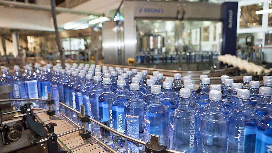 El 100% de los envases de agua de Cabreiroá serán ecológicos antes del próximo año