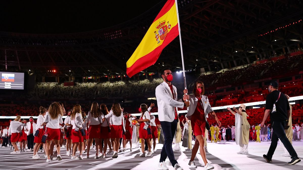 Saúl Craviotto y Mireia Belmonte en la ceremonia de inauguración de los Juegos de Tokio