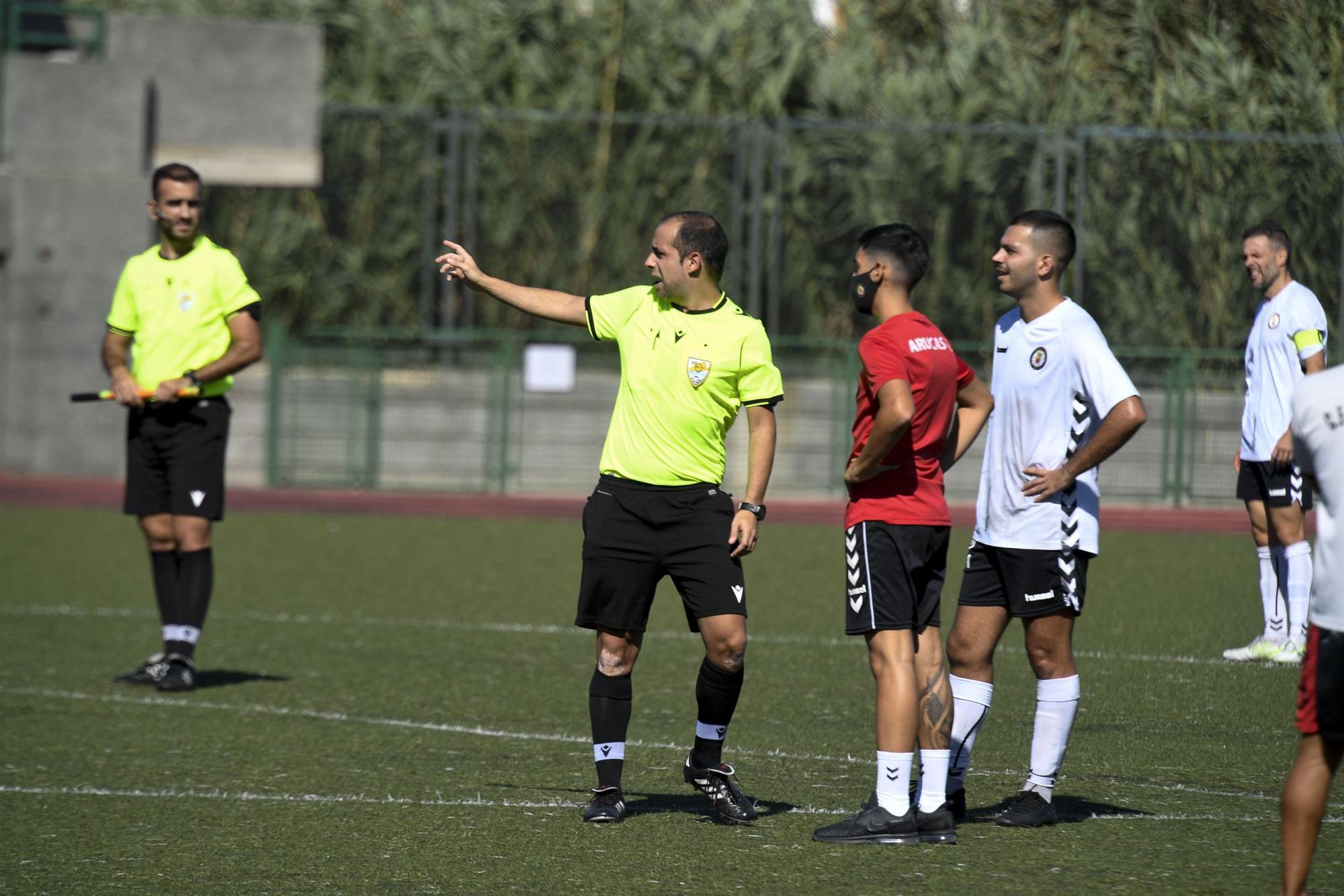 Partido entre el Arucas y el Unión Viera, de Tercera División