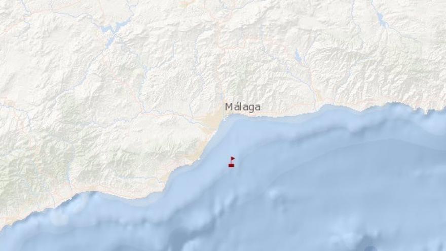 Un pesquero se hunde frente a Málaga y sus siete tripulantes están a salvo