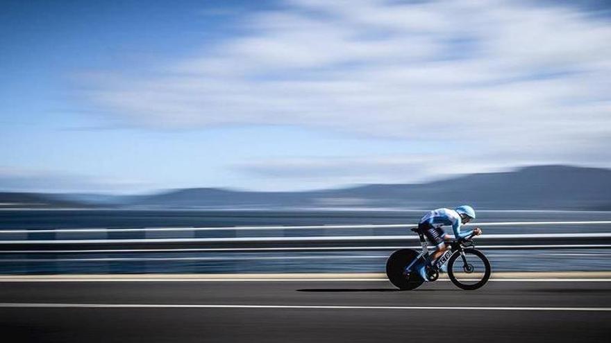 El pelotón de La Vuelta aterriza en Alicante