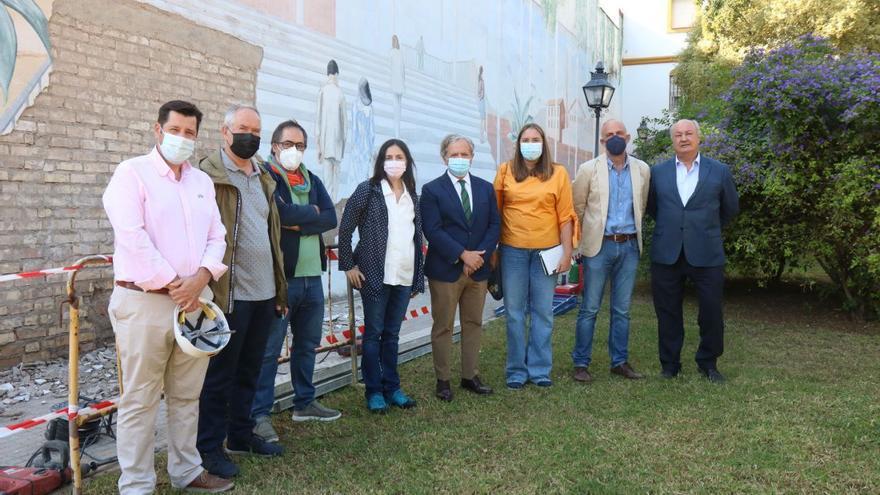 Finalizada la restauración del mural de Pepe Duarte en el Jardín de los Poetas