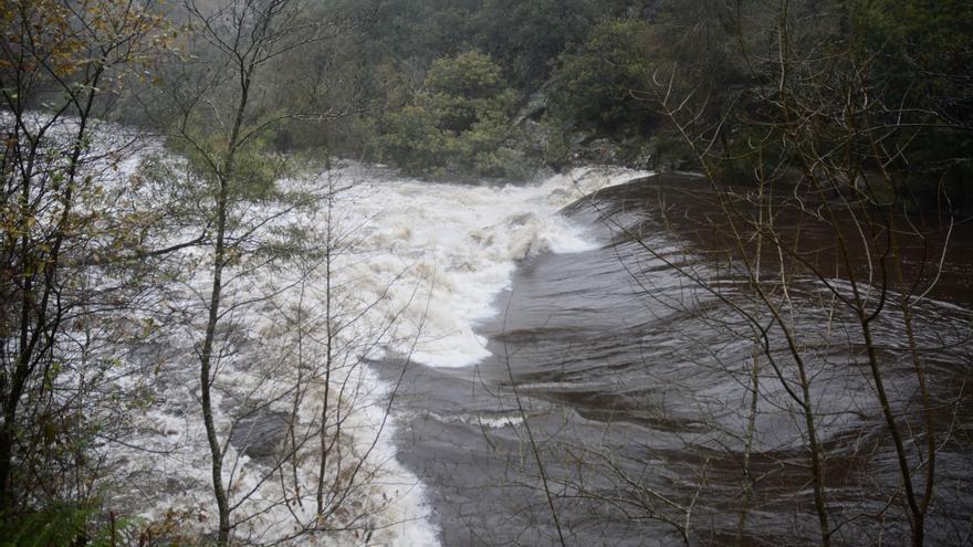 Las persistentes lluvias llevan a los ríos de la comarca a marcar caudales de récord